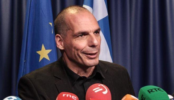 Βαρουφάκης: Με 'ναι' δεν υπογράφω συμφωνία, με 'όχι' έχουμε deal