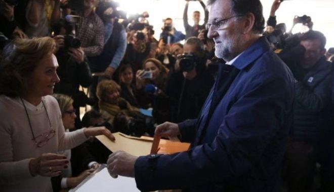 Στο  36,9% η προσέλευση των Ισπανών ψηφοφόρων στις πιο ιστορικές εκλογές της τελευταίας 35ετίας