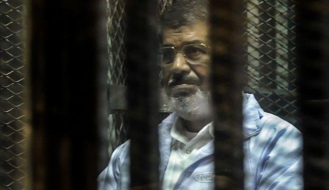 Διεθνής Αμνηστία: 'Παρωδία' η καταδίκη σε θάνατο του Μόρσι