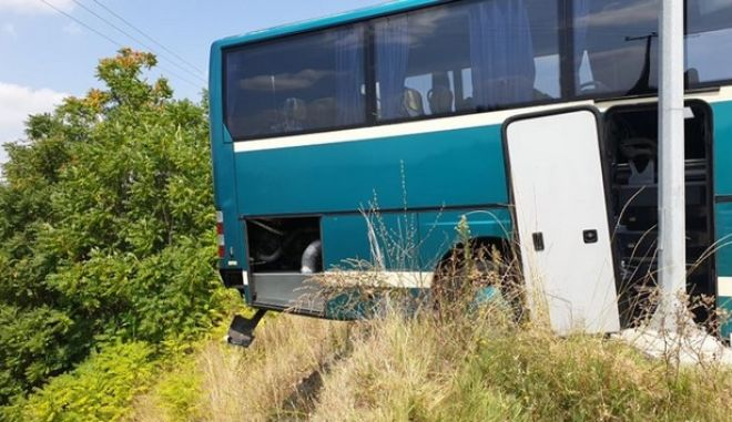 Λύθηκε το χειρόφρενο σε λεωφορείου του ΚΤΕΛ - Σταμάτησε σε μεταλλική μπάρα