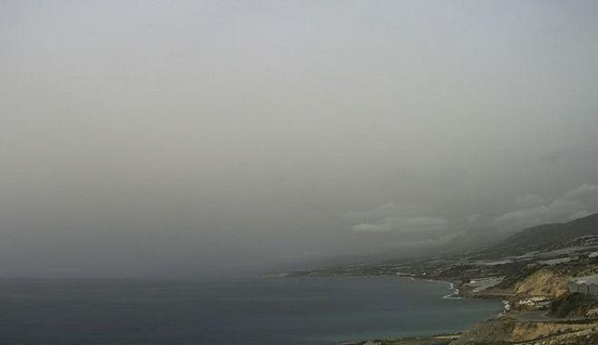 'Πέπλο' αφρικανικής σκόνης κάλυψε την Κρήτη