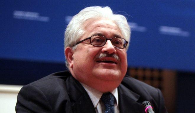 ΑΘΗΝΑ-ΠΑΡΑΔΟΣΗ-ΠΑΡΑΛΑΒΗ ΣΤΟ ΥΠΟΥΡΓΕΙΟ ΠΟΛΙΤΙΣΜΟΥ ΚΑΙ ΠΑΙΔΕΙΑΣ// Υπουργός    Κωνσταντίνος Αρβανιτόπουλος παρέλαβε ΑΝΑΠΛΗΡΩΤΗΣ: Κωνσταντίνος Τζαβάρας Υφυπουργός: Ιωάννης Ιωαννίδης Υφυπουργός: Θεόδωρος Παπαθεοδώρου (πρύτανης Πανεπιστημίου Πελοποννήσου).(EUROKINISSI-ΓΕΩΡΓΙΑ ΠΑΝΑΓΟΠΟΥΛΟΥ)
