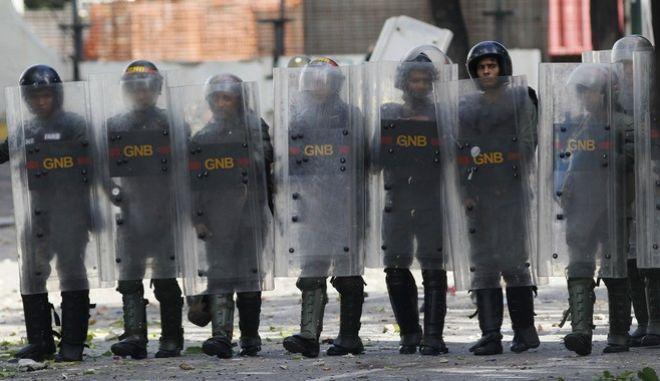 Εκτός ελέγχου η κατάσταση στην Βενεζουέλα. Άλλοι τρεις νεκροί σε συγκρούσεις