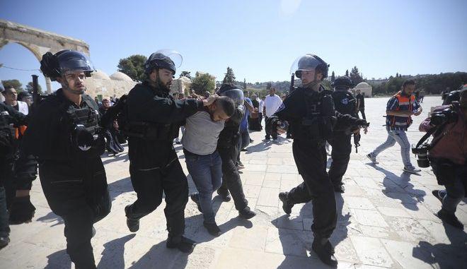 Εικόνα από τα επεισόδια στην Πλατεία των Τεμένων στην Ιερουσαλήμ