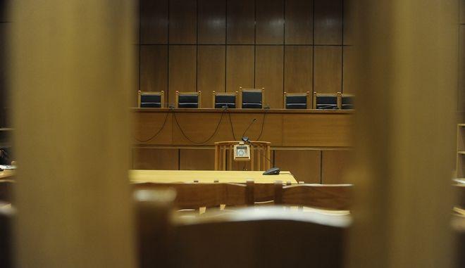 """Στιγμιότυπο από την αίοθουσα του Εφετείου Αθηνών όπου διεξάγεται η δίκη της """"Χρυσής Αυγής"""" την Δευτέρα 16 Ιανουαρίου 2017. (EUROKINISSI/ΤΑΤΙΑΝΑ ΜΠΟΛΑΡΗ)"""