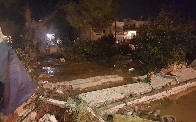 Εφιάλτης δίχως τέλος στη Μάνδρα: Σε επιφυλακή οι αρχές για νέες πλημμύρες