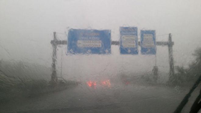 Ισχυρή χαλαζόπτωση στη Θεσσαλονίκη - Τροχαία ατυχήματα από την κακοκαιρία