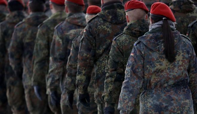 Γερμανία: Έρευνα σε βάρος 275 στρατιωτών που φέρονται να ανήκουν στην ακροδεξιά