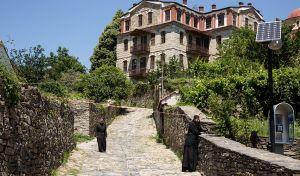 Αναδρομικές φοροαπαλλαγές ακινήτων στο Άγιο Όρος ζητούν ΣΥΡΙΖΑ, ΑΝΕΛ, Ένωση Κεντρώων