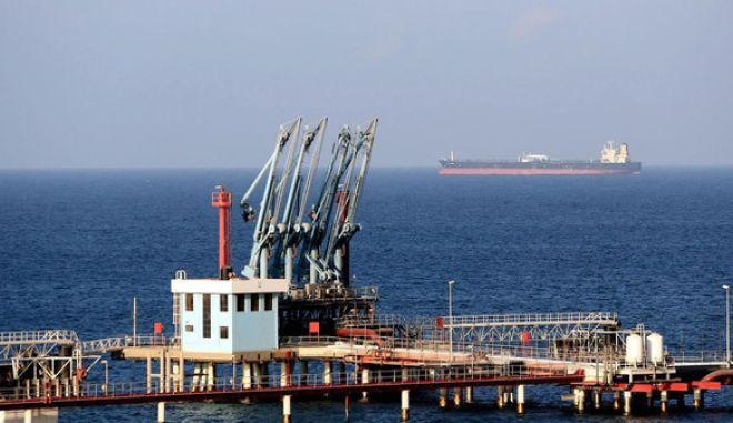Επίθεση σε τουρκικό φορτηγό πλοίο από τις ακτές της Λιβύης