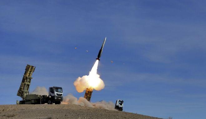 Εκτόξευση πυραύλου από σύστημα αεράμυνας στο Ιράν