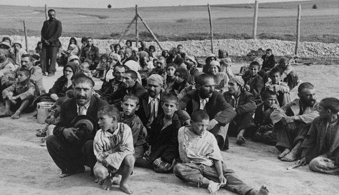 Ρομά σε στρατόπεδο συγκέντρωσης