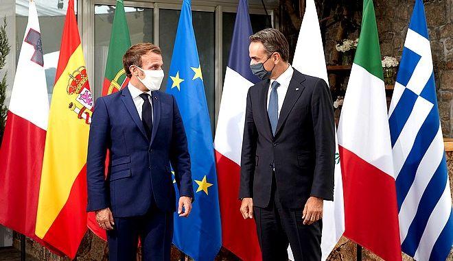 Συνάντηση του πρωθυπουργού Κυριάκου Μητσοτάκη με τον Γάλλο Πρόεδρο Εμανουέλ Μακρόν,στα πλαίσια της Συνόδου των επτά Μεσογειακών χωρών της Ε.Ε στην Κορσική, Πέμπτη 10 Σεπτεμβρίου 2020 (EUROKINISSI/Γ.Τ ΠΡΩΘΥΠΟΥΡΓΟΥ ΔΗΜΗΤΡΗΣ ΠΑΠΑΜΗΤΣΟΣ)