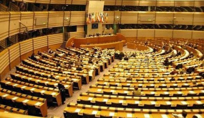 Διαπιστώνει σοβαρά λάθη της τρόικας και έναντι της Ελλάδας η επιτροπή του Ευρωκοινοβουλίου