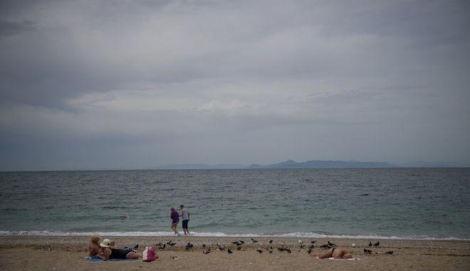 Στιγμιότυπο από την παραλία του Μπάτη στο Παλαιό Φάληρο