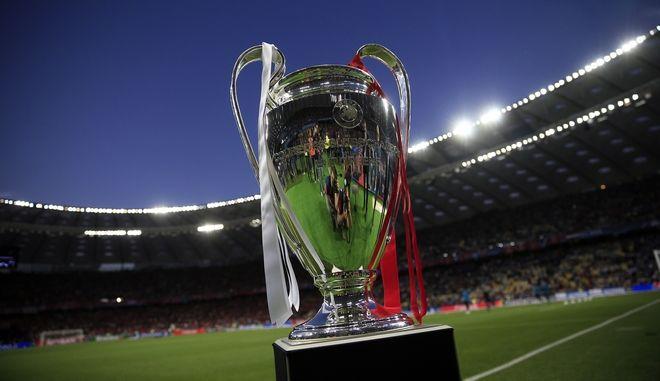 Το κύπελλο του τελικού της UEFA Champions League 2018