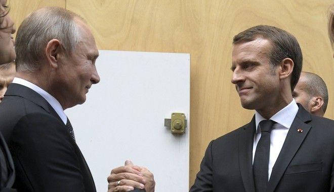 Οι πρόεδροι Ρωσίας και Γαλλίας Βλαντίμιρ Πούτιν και Εμανουέλ Μακρόν στο Παρίσι τον Σεπτέμβριο του 2019