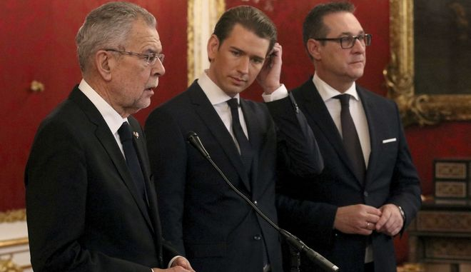 Austrian President Alexander van der Bellen, Foreign Minister and leader of the Austrian People's Party, OEVP, Sebastian Kurz and Heinz-Christian Strache, chairman of the right-wing Freedom Party, FPOE,  from left to right, talk to press after forming a new coalition government at the Hofburg palace in Vienna, Austria, Saturday, Dec. 16, 2017. (AP Photo/Ronald Zak)
