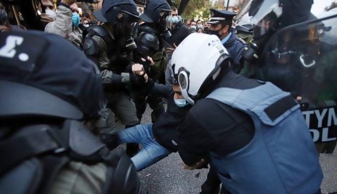 Πολυτεχνείο: Σφοδρές αντιδράσεις από ΣΥΡΙΖΑ, ΚΚΕ, ΜέΡΑ 25 για την προκαταρκτική έρευνα