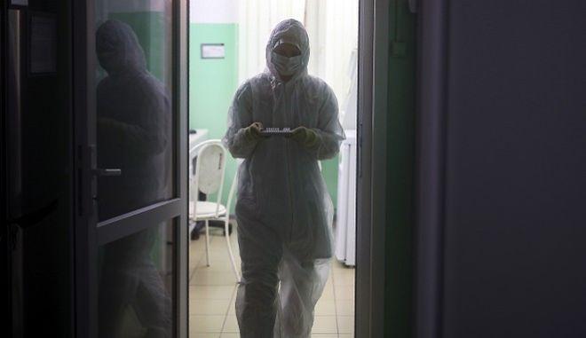 Κορονοϊός: Ακόμη 5 νέα κρούσματα στην Ελλάδα - Δύσκολες ώρες για τον 66χρονο στην Πάτρα