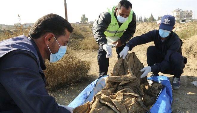 Μαζικός τάφος θυμάτων του ISIS - Φωτογραφία αρχείου