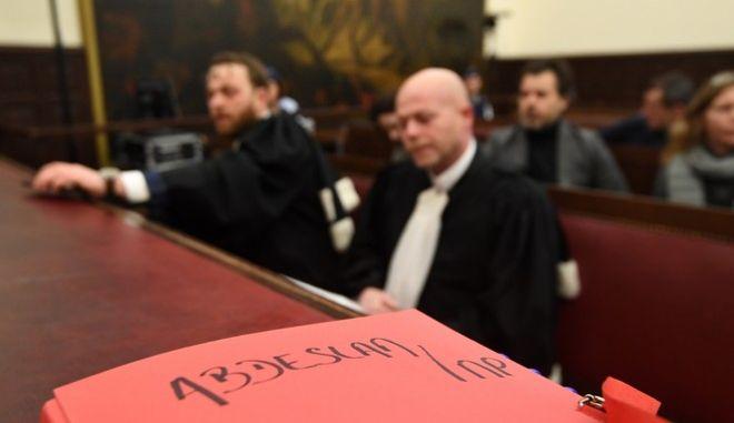 Βέλγιο: Ξεκίνησε η δίκη του μακελάρη του Παρισιού, Σαλάχ Αμπντεσλάμ