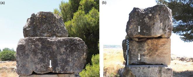 Πέτρινα μπλοκ σε αρχαίο ναό στα Ίσθμια με τις ίδιες αυλακώσεις