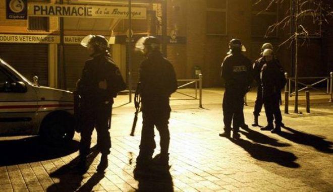 Γαλλία: Ταραχές για τέταρτη νύχτα στην πόλη Τουρκουάν