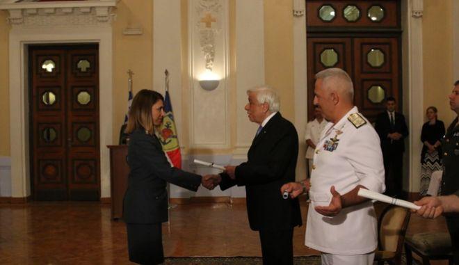 Την Τρίτη 26 Ιουνίου 2018, πραγματοποιήθηκε στην Λέσχη Αξιωματικών Ενόπλων Δυνάμεων στην Αθήνα, η τελετή απονομής πτυχίων στους σπουδαστές της 6ης Εκπαιδευτικής Σειράς του Ινστιτούτου Διαρκούς Επιμόρφωσης (ΙΔΕ). Την τελετή τίμησε με την παρουσία του ο Πρόεδρος της Δημοκρατίας, Προκόπης Παυλόπουλος, ο οποίος και επέδωσε τα πτυχία.