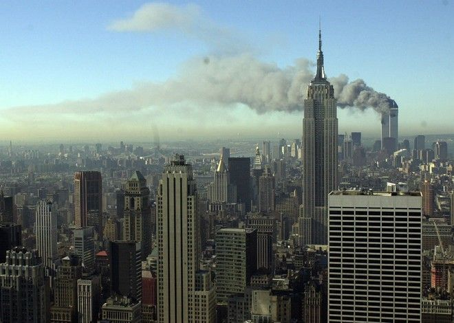 Εικόνα από την επίθεση στους Δίδυμους Πύργους της Νέας Υόρκης στις 11 Σεπτεμβρίου του 2001