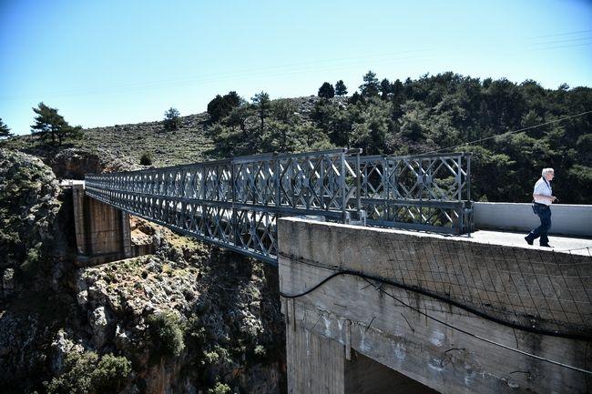 Η γέφυρα του χωριού Αράδαινας Σφακίων