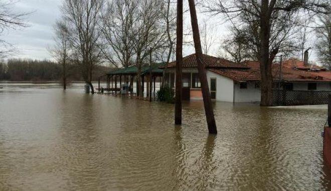 Και ο Στρατός Ξηράς στη μάχη με τις πλημμύρες στον Έβρο