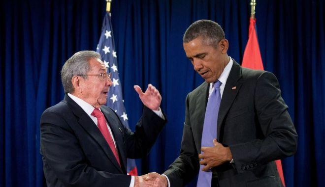 Κάστρο: Να συνεχιστεί η βελτίωση των σχέσεων με τις ΗΠΑ