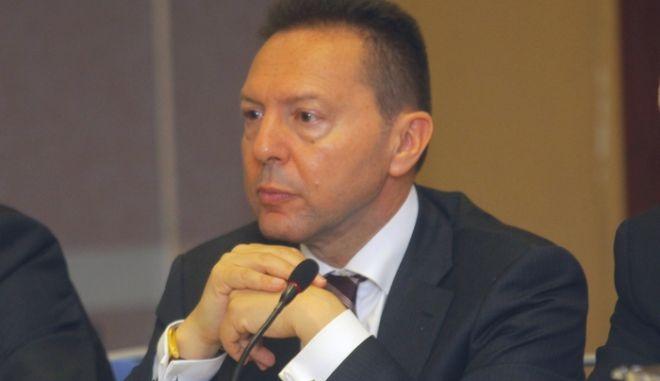 Συν. τύπου του Συνδέσμου Εταιριών Εμπορίας Πετρελαιοειδών (ΣΕΕΠΕ), Τετάρτη 4 Απρ. 2012. Στη φωτογραφία ο Γενικός Διευθυντής του ΙΟΒΕ Ιωάννης Στουρνάρας. (EUROKINISSI / ΣΥΝΕΡΓΑΤΗΣ)