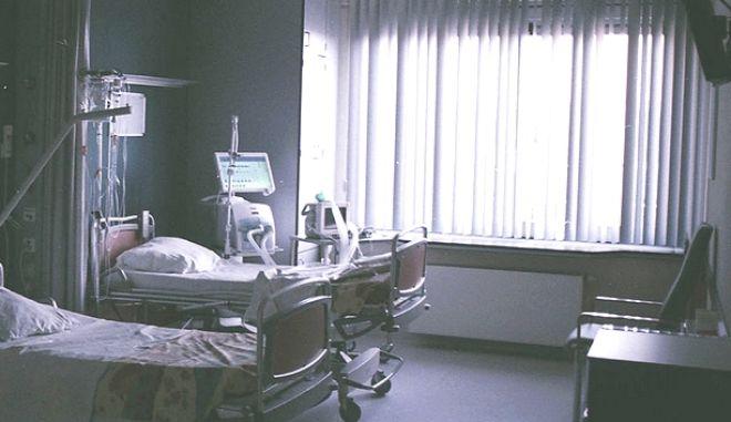 Σοκ στο νοσοκομείο Πύργου: 35χρονη πέθανε στο προσκεφάλι του νοσηλευόμενου πατέρα της