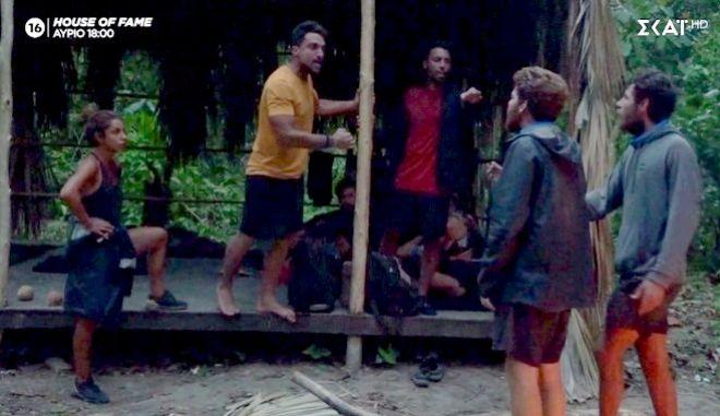 Survivor 4: Άναψαν τα αίματα στους Μπλε - Παραλίγο να πέσει ξύλο