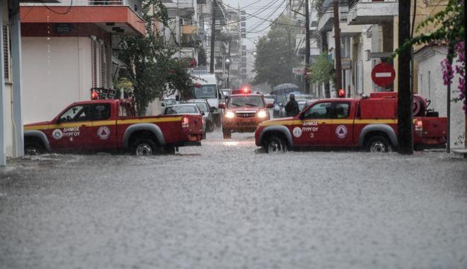 Πλημμύρες στην πόλη του πύργου Ηλείας από την έντονη βροχόπτωση το μεσημέρι της Τρίτης 24 Σεπτεμβρίου 2019