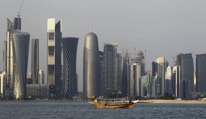 Αμπού Ντάμπι και Ριάντ καλούν το Κατάρ για αλλαγή πολιτικής