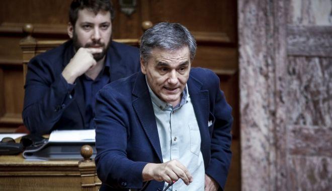 Ο Υπουργός Οικονομικών, Ε.Τσακαλώτος στο βήμα της Βουλής