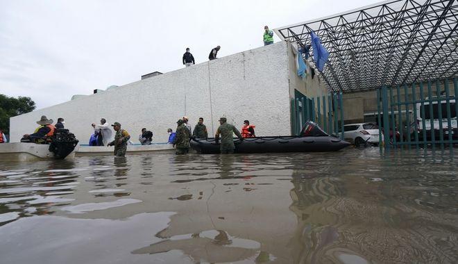 Πλημμυρισμένο νοσοκομείο στο Μεξικό.