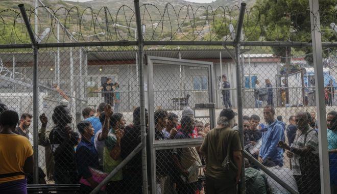 Πρόσφυγες και μετανάστες στο Hot Spot της Σάμου