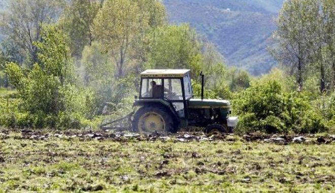 Απότακτος αστυνομικός εξαπατούσε αγρότες στην Αιτωλοακαρνανία