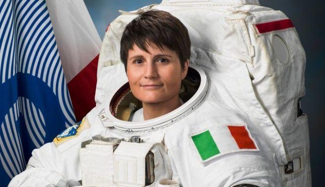 Ιταλίδα αστροναύτης έσπασε το ρεκόρ συνεχόμενης παραμονής γυναίκας στο διάστημα