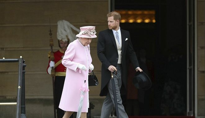 """Χάρι - Μέγκαν: """"Καυτό ραντεβού"""" του πρίγκιπα με τη βασίλισσα Ελισάβετ μετά το Megxit"""