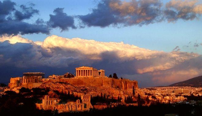 Ο Παρθενώνας στον λόφο της Ακρόπολης