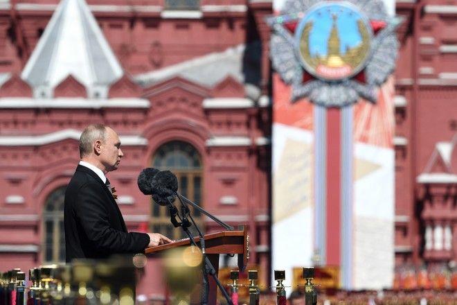 Παρέλαση για τη νίκη κατά του ναζισμού στη Ρωσία (Sergey Pyatakov, Host Photo Agency via AP)