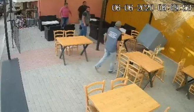 Ντεπόζιτο έπεσε ξυστά από τους θαμώνες καφενείου στην Κρήτη