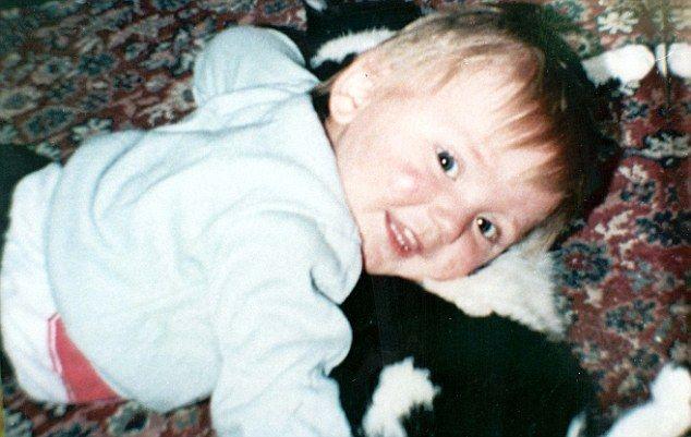 Η Βρετανία χρηματοδοτεί νέα έρευνα για την υπόθεση του μικρού Μπεν