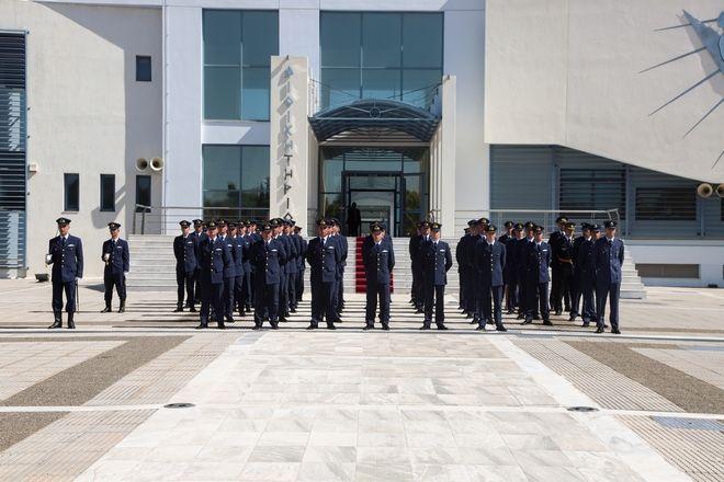Ο Πρόεδρος της Δημοκρατίας κ. Προκόπιος Παυλόπουλος στην τελετή ορκωμοσίας στη Σχολή Ικάρων