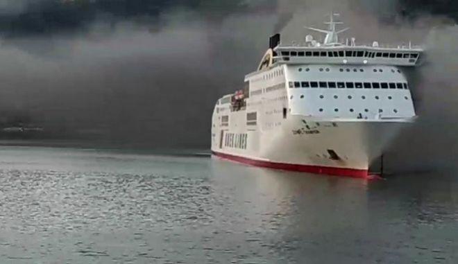 Φωτιά σε πλοίο με 538 επιβάτες και 75 άτομα πλήρωμα ανοιχτά της Κέρκυρας